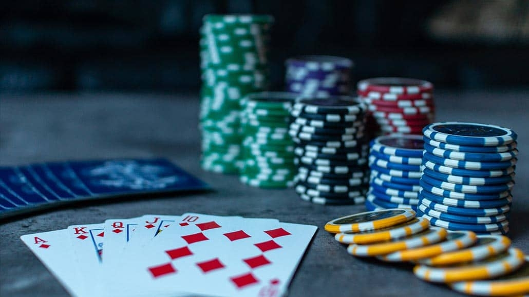 Role Of Knowledge And Patience In The Online Poker Game - Wis Up
